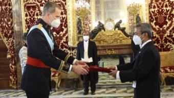 স্পেনের রাজার কাছে বাংলাদেশের নবনিযুক্ত রাষ্ট্রদূতের পরিচয়পত্র প্রদান